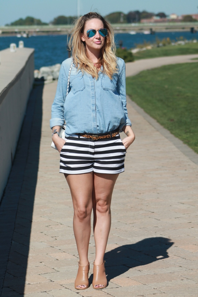 gap shorts urban outfitters top